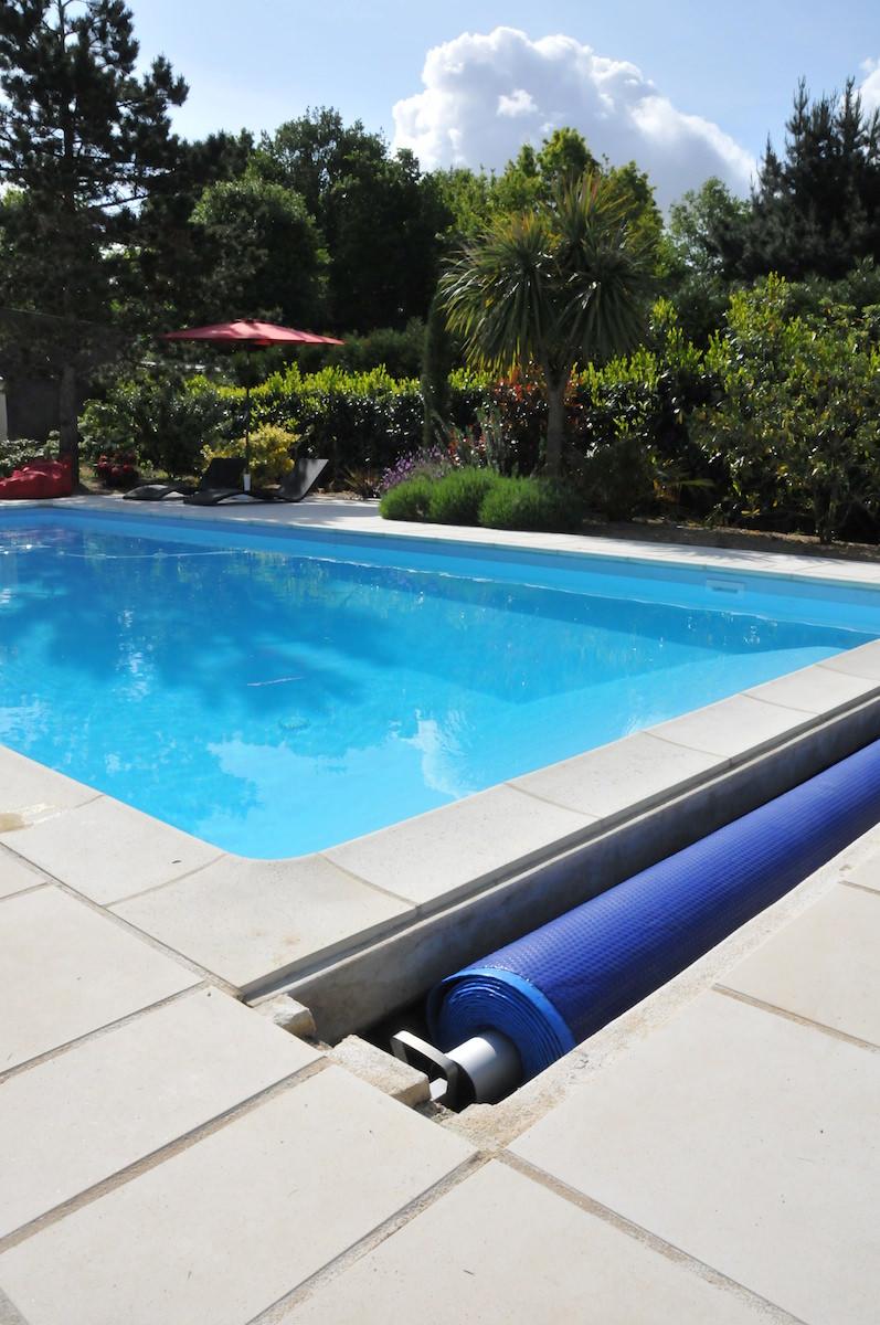 construire une piscine vous devez savoir certaines choses. Black Bedroom Furniture Sets. Home Design Ideas