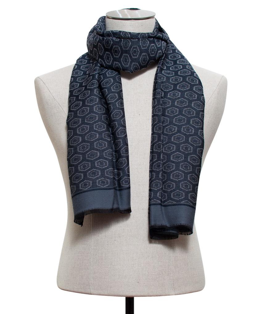 Comment mettre une echarpe de portage est une affaire de style - Comment mettre une echarpe plaid ...